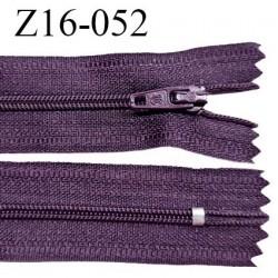 Fermeture zip 16 cm non séparable couleur prune zip glissière nylon invisible longueur 16 cm largeur 27 mm prix à l'unité