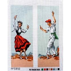 Canevas à broder 50 x 60 cm  thème DANSEURS TRADITIONNELS BASQUES retouché main