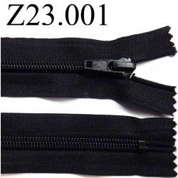 fermeture  éclair  longueur 23 cm couleur noir non séparable zip nylon largeur 3,2 cm largeur du zip 6 mm