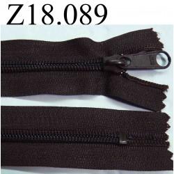 fermeture éclair longueur 18 cm couleur marron non séparable zip nylon largeur 3.2 cm largeur du zip 6 mm