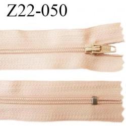Fermeture zip 22 cm à glissière couleur rosé chair non séparable zip nylon largeur du zip 6 mm longueur 22 cm prix à l'unité