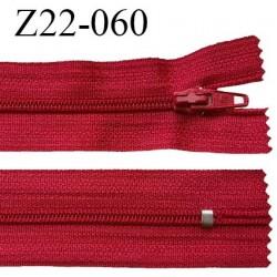 Fermeture zip 22 cm à glissière couleur rouge non séparable zip nylon largeur du zip 6 mm longueur 22 cm prix à l'unité