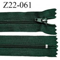 Fermeture zip 22 cm à glissière couleur vert empire non séparable zip nylon largeur du zip 6 mm longueur 22 cm prix à l'unité