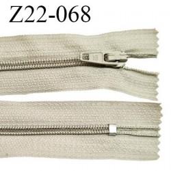 Fermeture zip 22 cm à glissière couleur beige clair non séparable zip nylon largeur du zip 6 mm longueur 22 cm prix à l'unité
