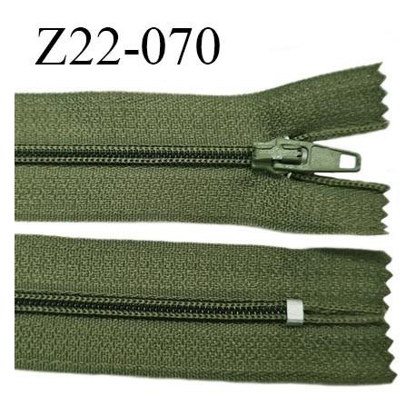 Fermeture zip 22 cm à glissière couleur kaki non séparable zip nylon largeur du zip 6 mm longueur 22 cm prix à l'unité