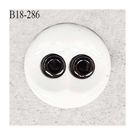 Bouton 18 mm en pvc couleur naturel et chrome 2 trous diamètre 18 mm épaisseur 4.5 mm prix à la pièce