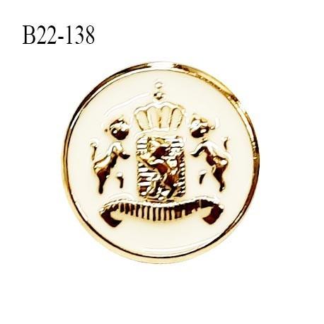 Bouton 22 mm pvc couleur doré et naturel motif style blason accroche avec un anneau diamètre 22 mm prix à la pièce