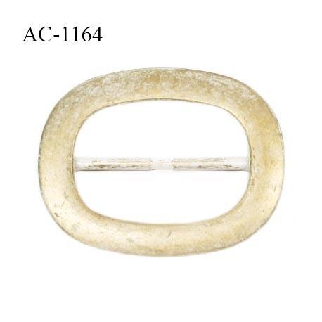 Grande boucle en pvc couleur doré vieilli et blanc superbe longueur 10 cm largeur 8 cm épaisseur 5 mm prix à la pièce