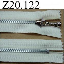 fermeture éclair  longueur 20 cm couleur blanc écru non séparable zip métal  largeur 2.7 cm curseur en  métal