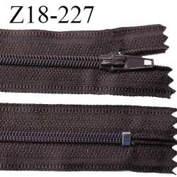 Fermeture zip 18 cm non séparable couleur chocolat foncé largeur 2.7 cm zip nylon longueur 18 cm prix à l'unité