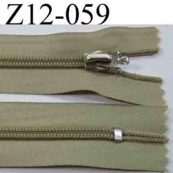 fermeture éclair longueur 12 cm couleur kaki non séparable zip nylon  largeur 3 cm largeur du zip 5 mm