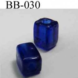 perle rectangle biche de bere en verre percée hauteur 7 mm largeur 5 mm couleur bleu vendu a la pièce
