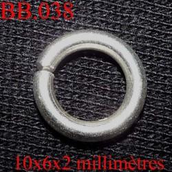 anneaux BICHE DE BERE en métal 10 millimètres par 6 millimètres et par 2 millimètres d'épaisseur  POUR  CREER VOS BIJOUX