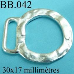 accessoire de fermoir colier bracelet ou penditif  largeur 32 mm hauteur 25 mm biche de bère en métal couleur argent