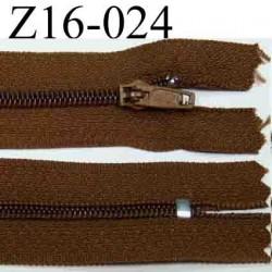 fermeture éclair longueur 16 cm couleur marron non séparable zip nylon largeur 2.5 cm largeur du zip  4 mm