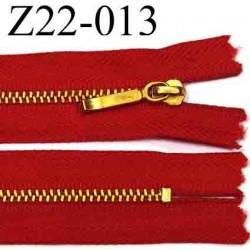 fermeture éclair YKK longueur 22 cm couleur rouge non séparable  largeur 2,8 cm zip métal largeur 4.3 mm