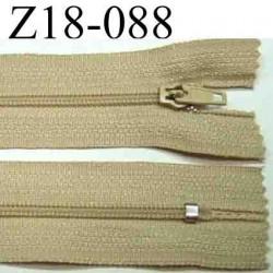 fermeture éclair longueur 18 cm couleur beige crème  non séparable zip nylon largeur 2.5 cm