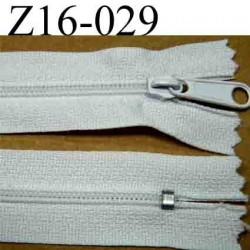fermeture éclair longueur 16 cm couleur blanc non séparable  largeur 2.5 cm zip glissière nylon largeur du zip 4 mm
