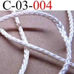 cordon en polyamide couleur blanc très légèrement rose  lumineux diamètre 3 mm vendu au mètre