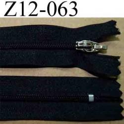 fermeture éclair longueur 12 cm largeur 2.5 cm couleur noir non séparable glissière zip nylon largeur 4 mm