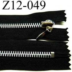 fermeture éclair longueur 12 cm couleur noir non séparable zip métal  largeur 3,1 cm largeur du zip 6 mm