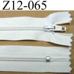 fermeture éclair blanche longueur 12 cm couleur blanc non séparable largeur 2.5 cm et la glissière zip nylon 4 mm curseur métal