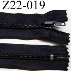 fermeture éclair longueur 22 cm couleur noir non séparable zip nylon largeur 3 cm largeur du zip 6 mm