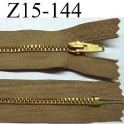 fermeture éclair longueur 15 cm couleur marron clair  non séparable largeur 2.6 cm glissière métal  largeur 4 mm