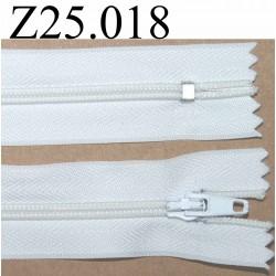 fermeture 25 cm couleur blanc zip nylon