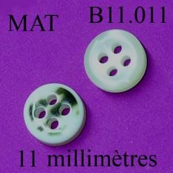bouton 11 mm couleur marbré vert et beige nacré