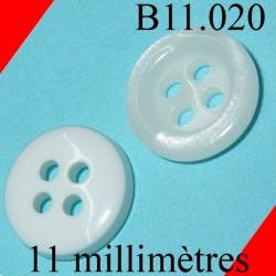 bouton 11 mm 4 trous