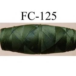cocon bobine de fil nylon épaisseur 120/2 couleur vert longueur 200 mètres largeur du cocon 4 cm diamètre 1.5 cm