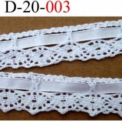 dentelle crochet 100 % coton 20 mm couleur blanc avec ruban galon satin 5 mm provient d'une vieille mercerie parisienne