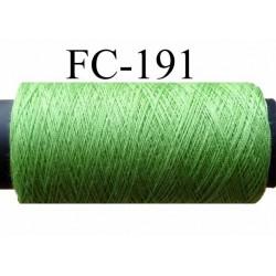 bobine de fil polyester n° 120 couleur vert luciole longueur 200 ou 500 mètres largeur de la bobine 5.5 cm fabriqué en France