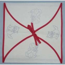 enveloppe coussin à broder toile écru coton motifs chats biais rouge