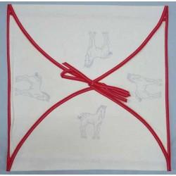 enveloppe coussin à broder toile écru coton motifs chevaux biais rouge