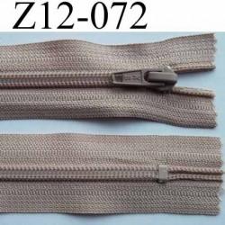 fermeture éclair longueur 12 cm couleur beige chair rosé non séparable largeur 3.2 cm glissière nylon largeur 6.5 mm