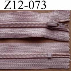 fermeture éclair longueur 12 cm couleur vieux rose non séparable largeur 3.2 cm glissière nylon largeur 6.5 mm