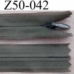 fermeture éclair longueur 50 cm invisible couleur vert kaki non séparable zip nylon largeur 2.3 cm