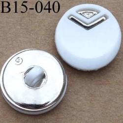 bouton 15 mm couleur blanc et chromé argenté diamètre 15 millimètres