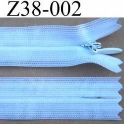 fermeture éclair invisible blanche longueur 38 cm couleur blanc non séparable largeur 2.2 cm glissière zip nylon largeur 4 mm