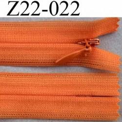fermeture éclair invisible longueur 22 cm couleur orange non séparable largeur 2.2 cm glissière zip nylon largeur 4 mm