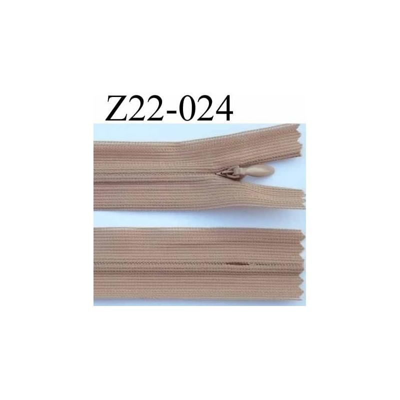 fermeture zip invisible longueur 22 cm couleur beige marron clair non s parable largeur 2 4 cm. Black Bedroom Furniture Sets. Home Design Ideas