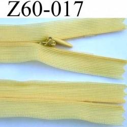 fermeture éclair invisible longueur 22 cm couleur jaune non séparable largeur 2.2 cm glissière zip nylon largeur 4 mm