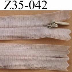 fermeture éclair invisible longueur 35 cm couleur beige non séparable largeur 2.2 cm glissière nylon largeur 4 mm