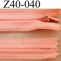 fermeture éclair invisible longueur 40 cm couleur rose saumon non séparable largeur 2.2 cm glissière zip nylon largeur 4 mm