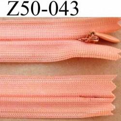 fermeture éclair invisible longueur 50 cm couleur rose orangé saumon non séparable largeur 2.2 cm glissière nylon largeur 4 mm