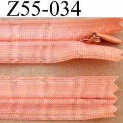 fermeture éclair invisible longueur 55 cm couleur rose orangé saumon non séparable largeur 2.2 cm glissière nylon largeur 4 mm