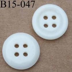 bouton 15 mm  couleur ivoire brillant 4 trous diamètre 15 millimètres
