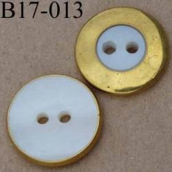 bouton 17 mm couleur blanc nacré et métal doré 2 trous diamètre 17 millimètres